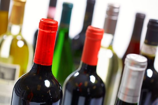 Investir son argent dans la commercialisation du vin : notre guide